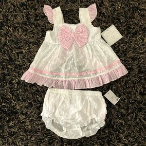 Baby essentials 9m girl 2 piece set